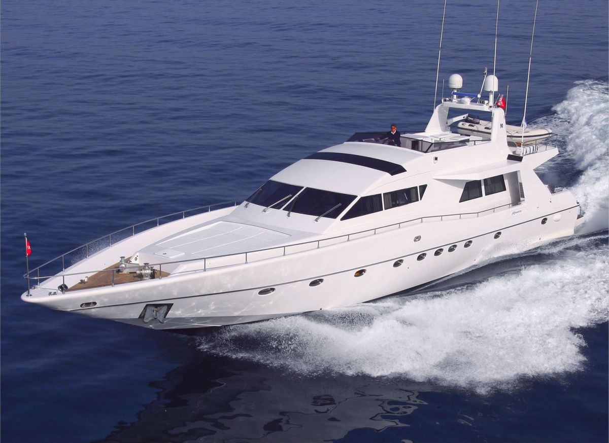 location bateau Alfamarine 90 Semi Custom