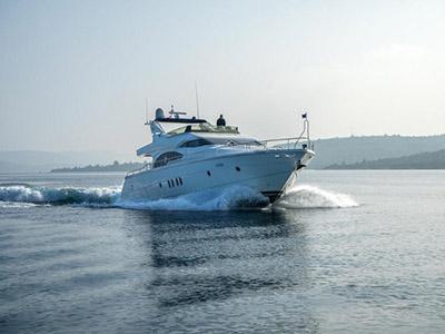 location bateau Dominator 65