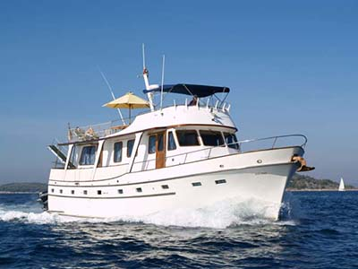 location bateau Cheoy Lee 55