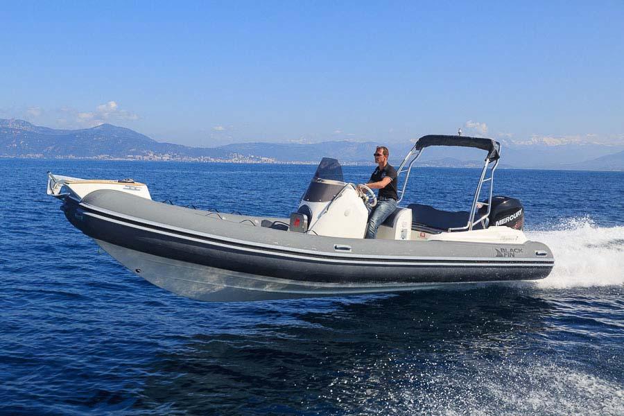 location bateau Elegance 7
