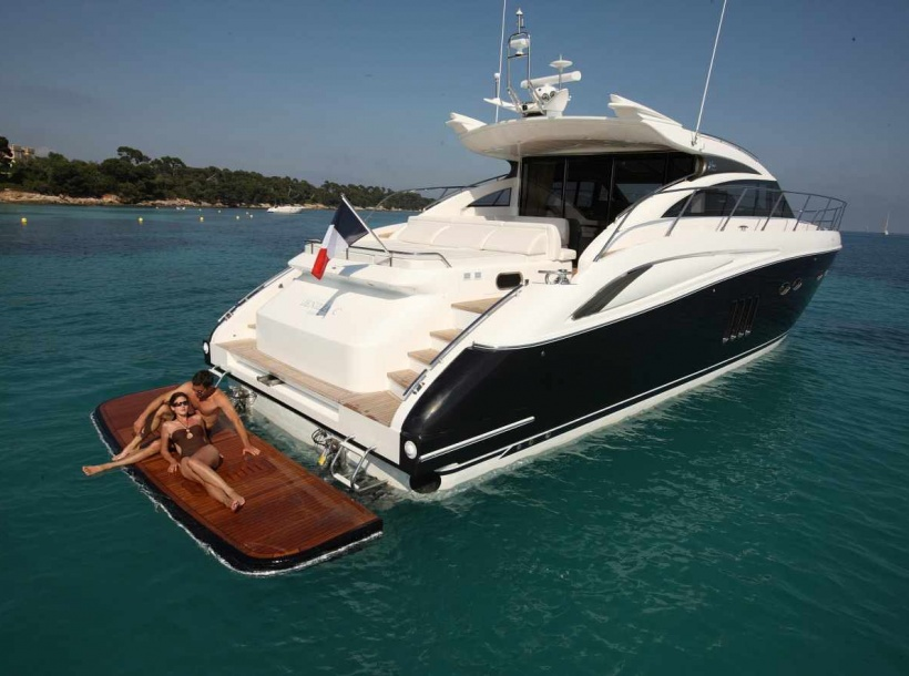 location bateau Princess V 62