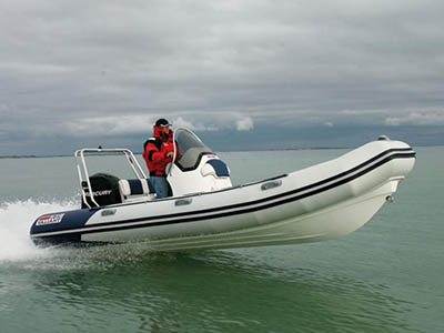 location bateau Valiant 570