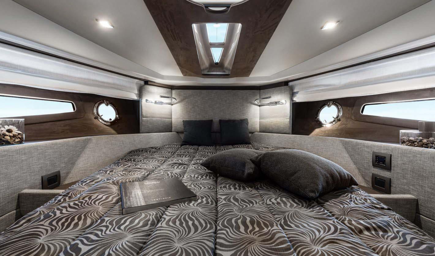 intérieur Cranchi M44 HT