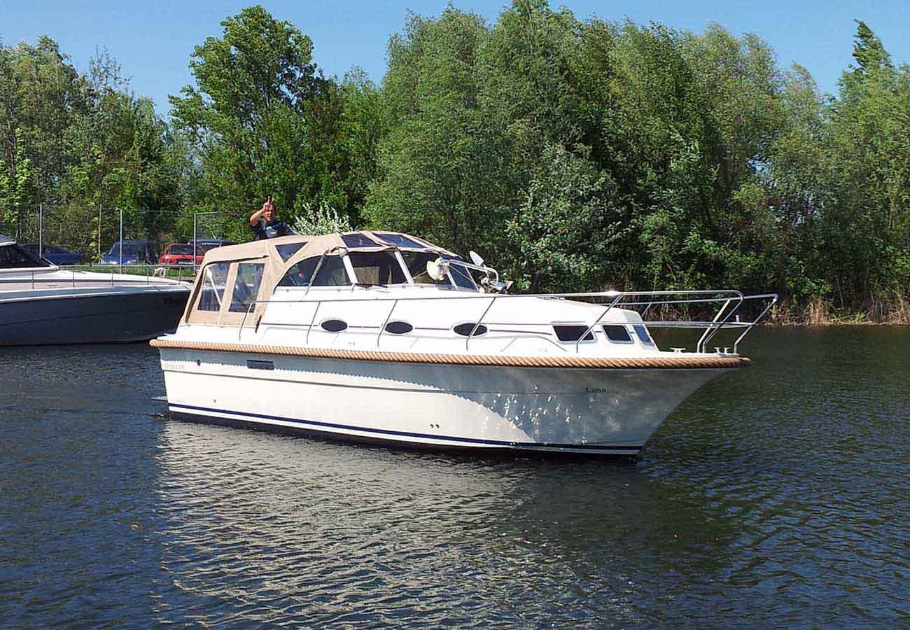 location bateau Almeria 850
