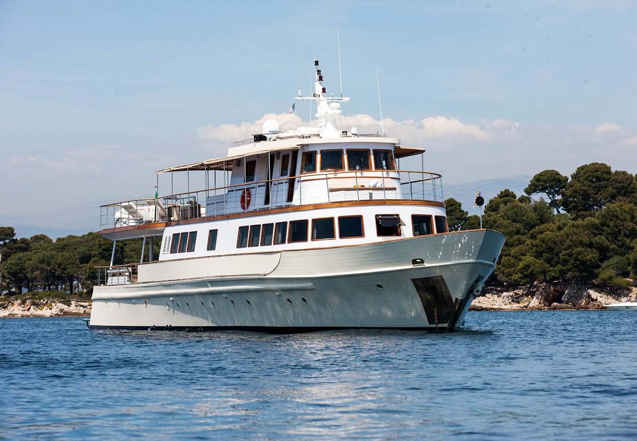 location bateau Clara One