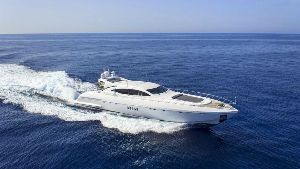Location bateau  Mangusta 108