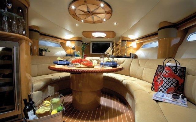 inside Larson 370 Cabrio