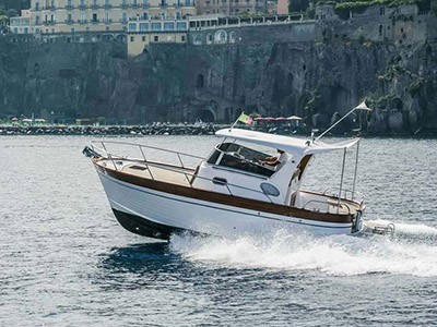 location bateau Sparviero 700