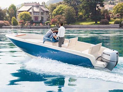 location bateau Invictus 200FX