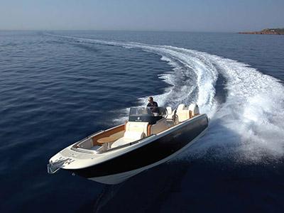 location bateau Invictus 270FX