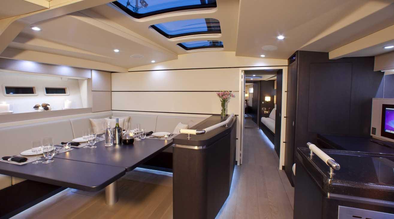 interno Maxi Yacht 82