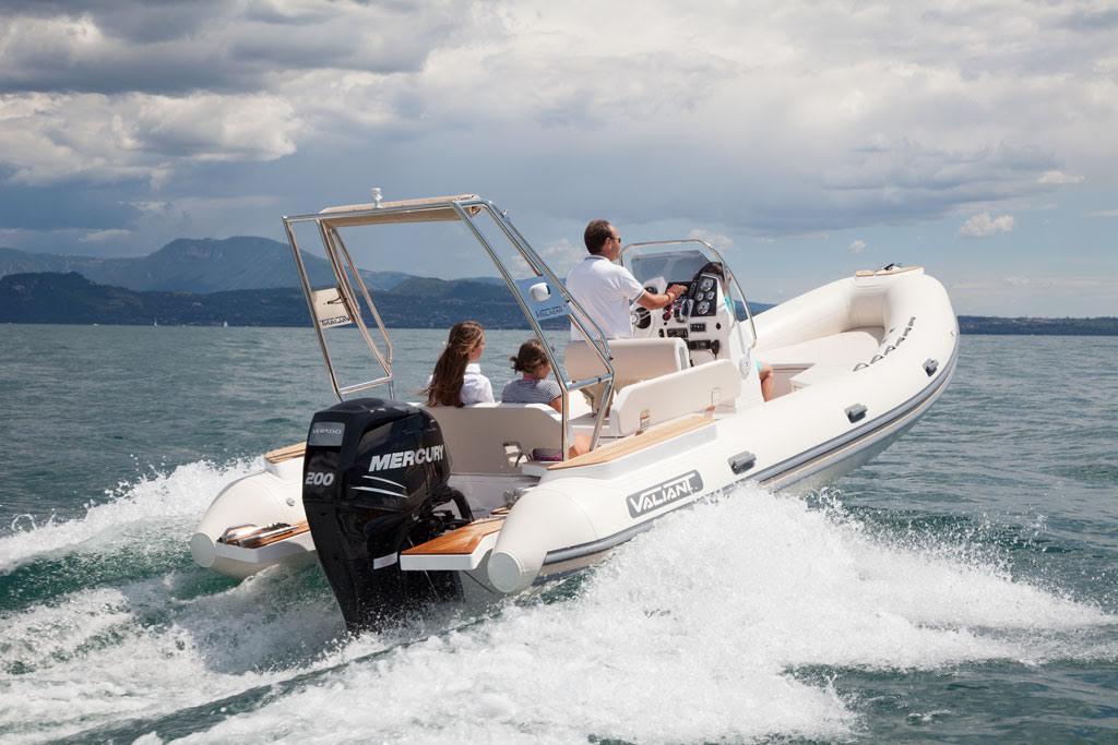 location bateau Valiant 685 Classic