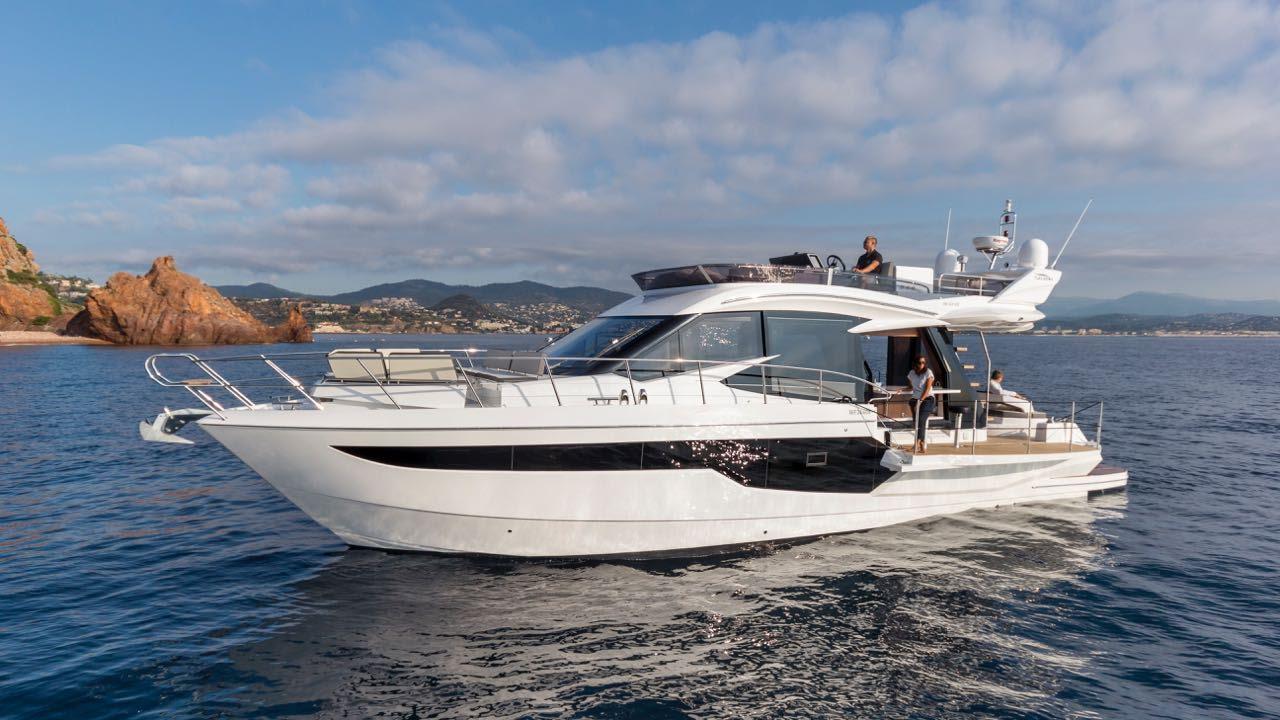 location bateau Galeon 500 Fly
