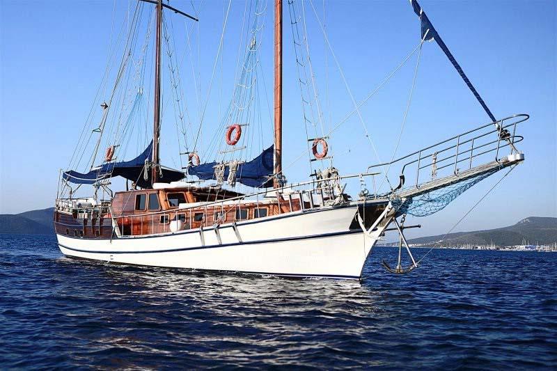 location bateau Urania