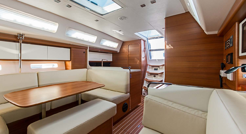 intérieur Italia Yachts 13.98