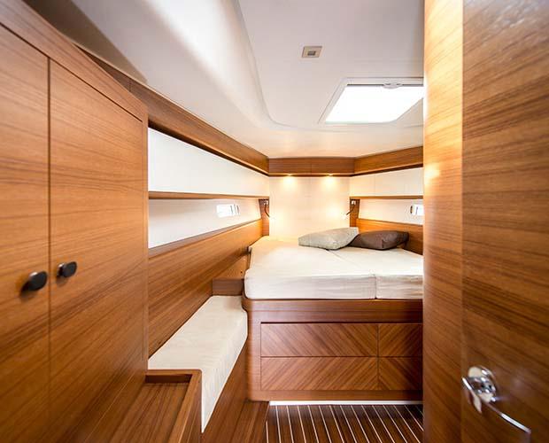 interno Italia Yachts 13.98