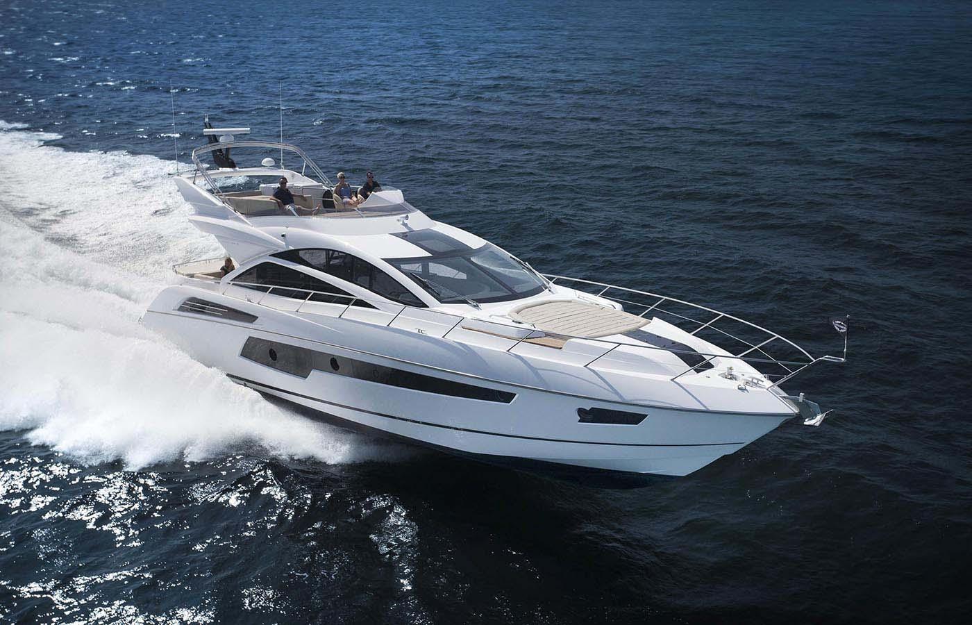 Location bateau  Sunseeker 68 Sport Yacht