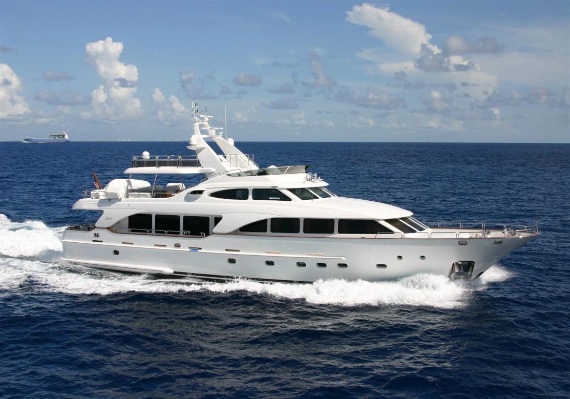 location bateau Benetti 100