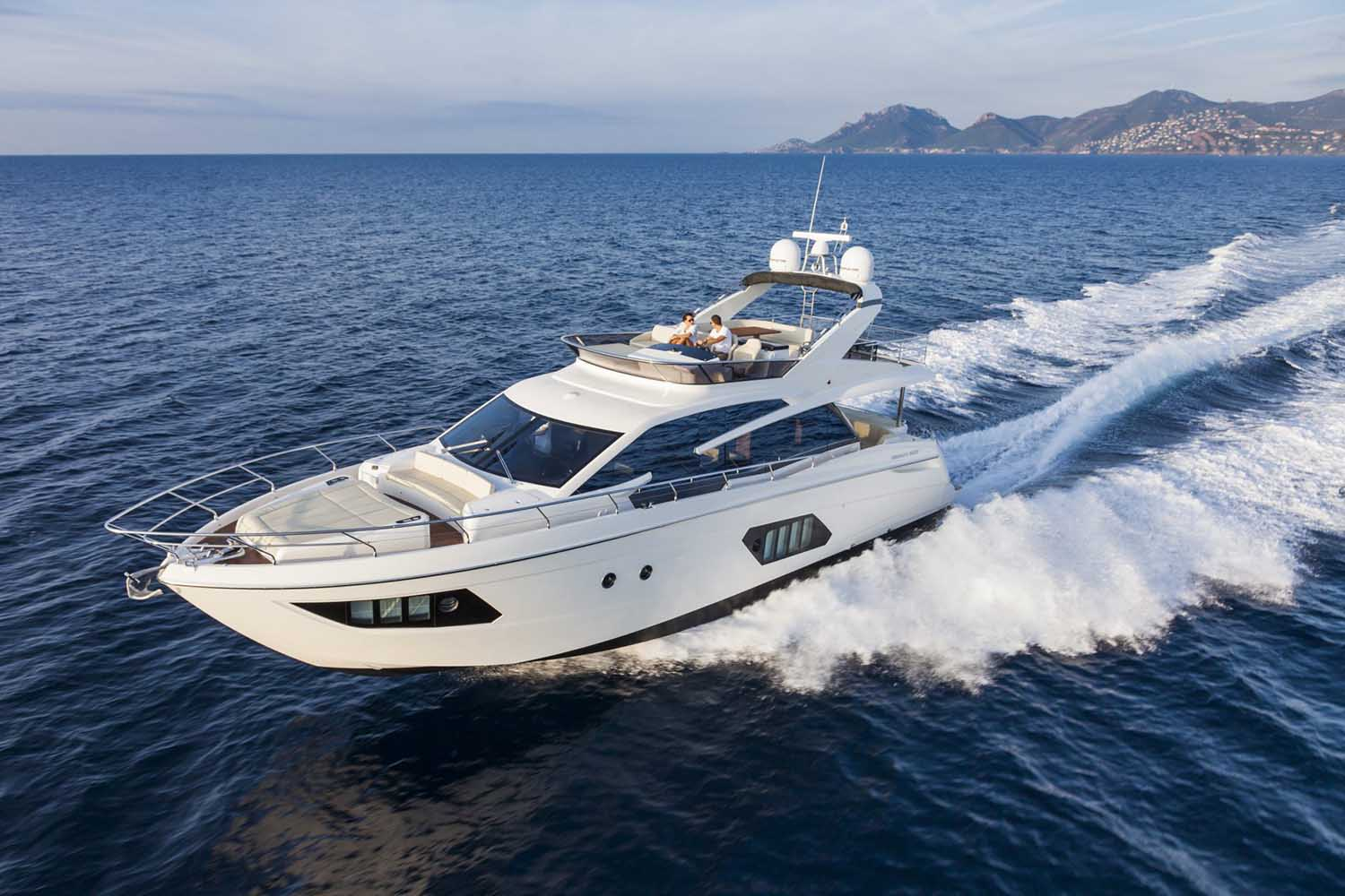 location bateau Absolute 60 Fly