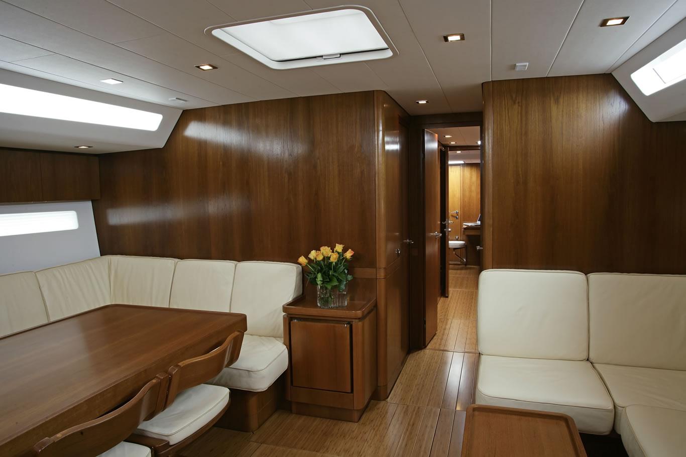 intérieur Swan 66