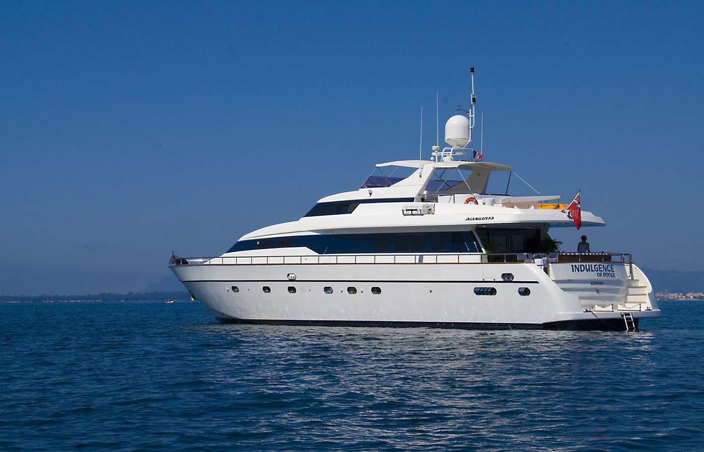 Location bateau  Mangusta 86 Fly
