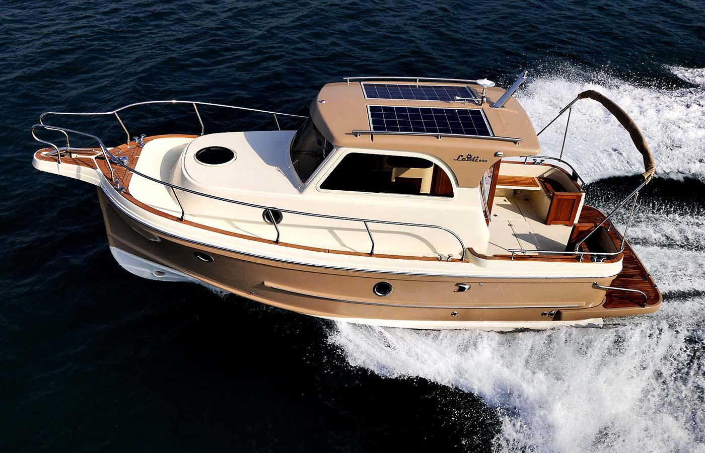 location bateau Leidi 800