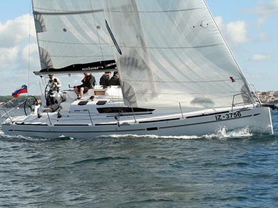 location bateau Elan 350 Perf.