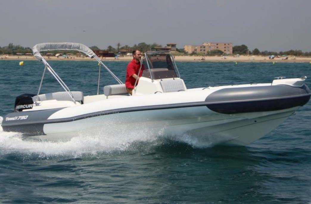 location bateau Marlin 790 Dynamic