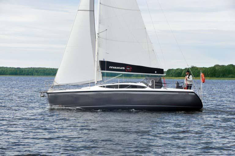 location bateau Maxus 33.1 RS Standard