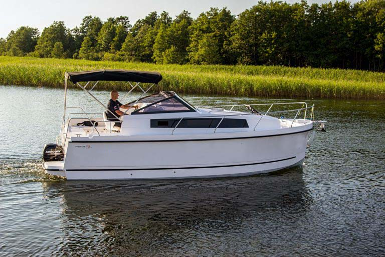 location bateau Nexus Revo 870 Prestige +