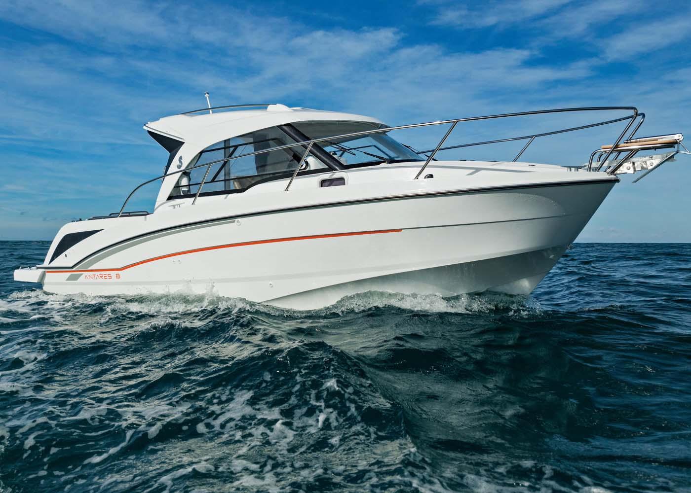 location bateau Antares 8 OB