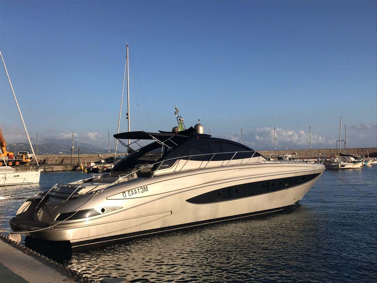 location bateau Riva Vertigo 63