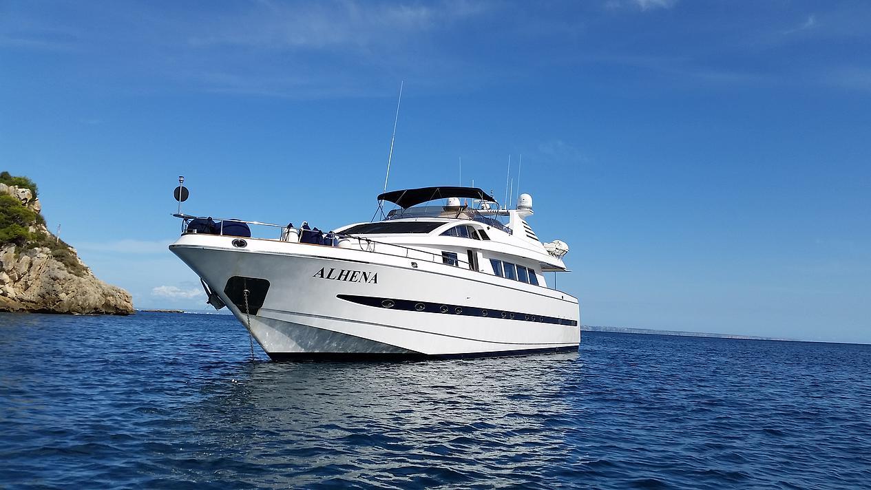 Location bateau  Astondoa 90
