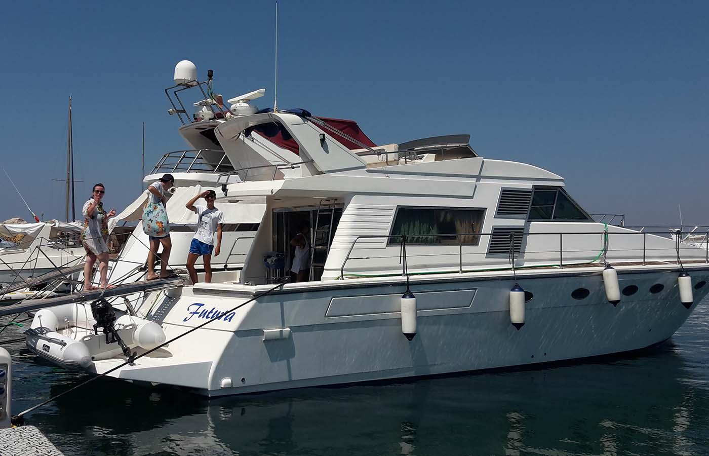 location bateau Rizzardi 50 Fly