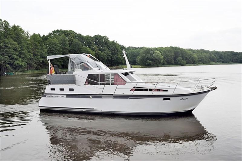location bateau Succes 108 Ultra