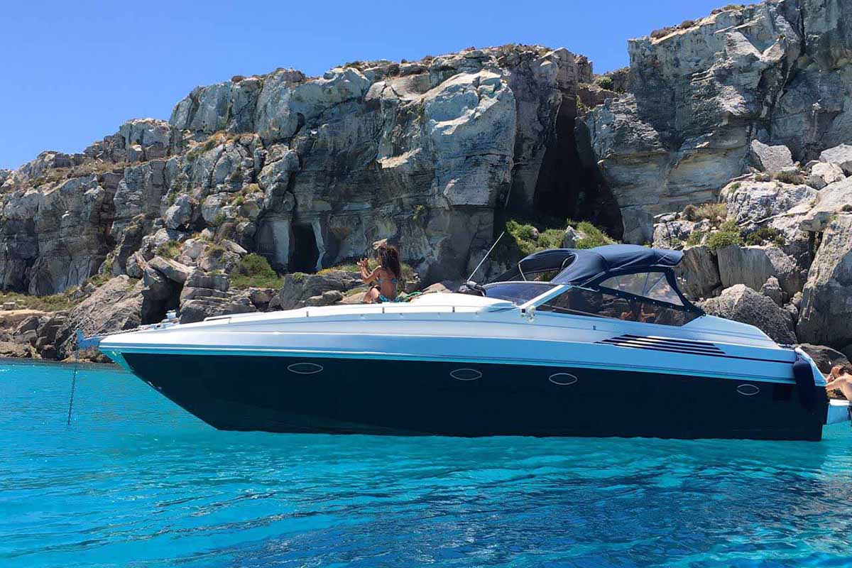 location bateau Pershing 33 Open