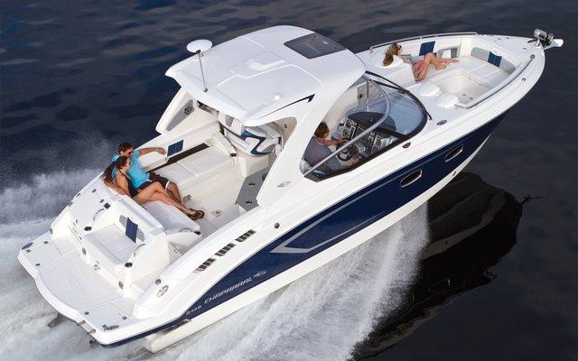 location bateau Chaparral 327 SSX