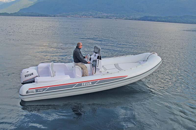 location bateau Selva 570