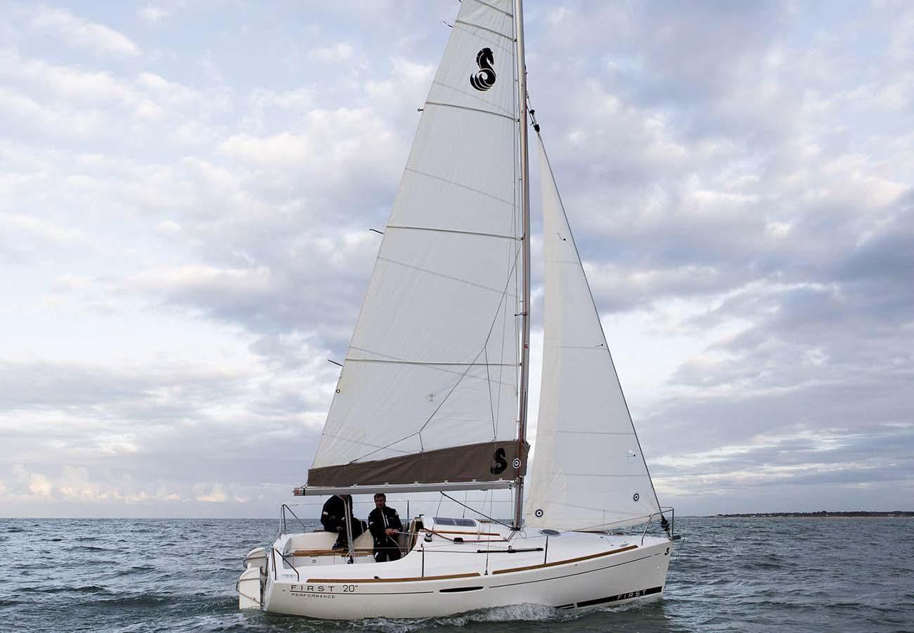 Location bateau  First 20