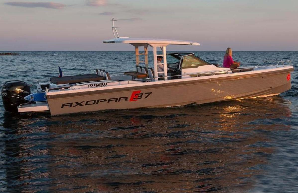 location bateau Axopar 37 T-Top