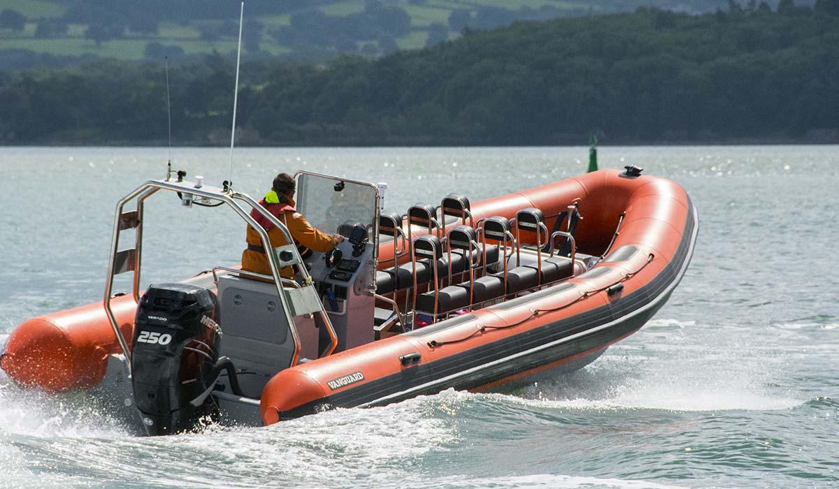 location bateau Vanguard 760