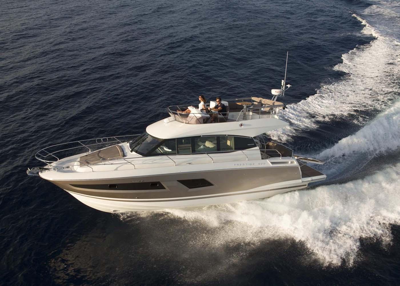 location bateau Prestige 420 Fly