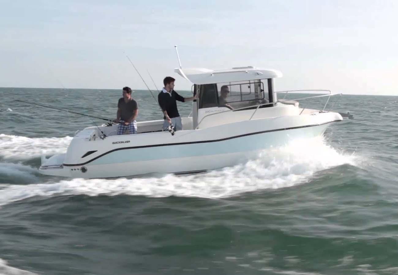 location bateau Arvor 690