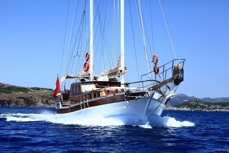 location bateau Laram