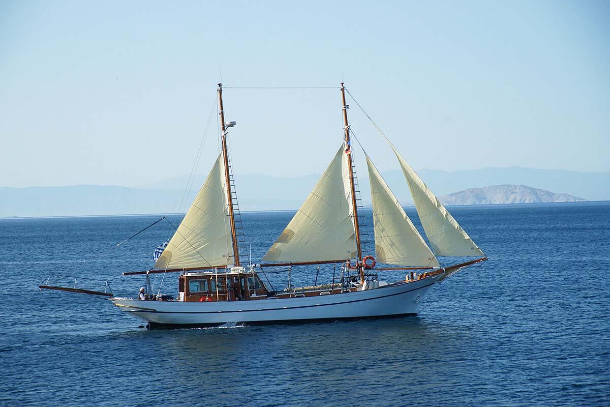 location bateau Eleftheria