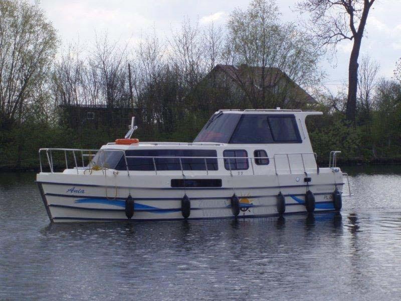 location bateau Vistula Cruiser 30 SE