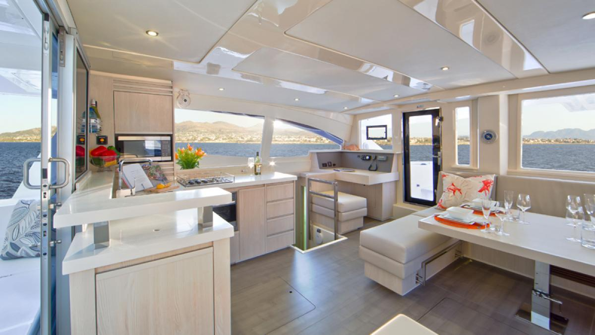 interno Sunsail Leopard 48