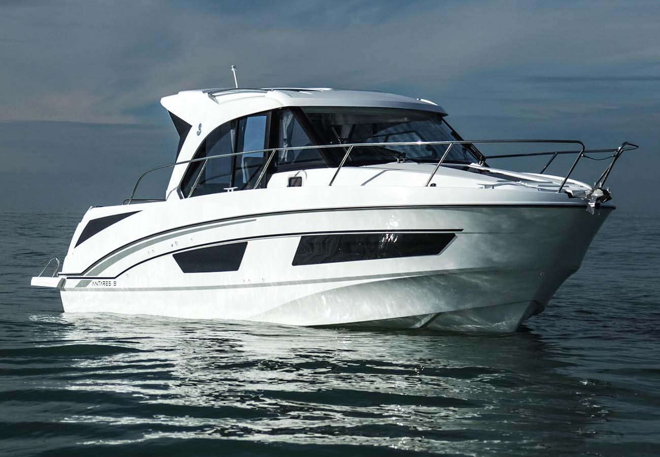 location bateau Antares 9 OB