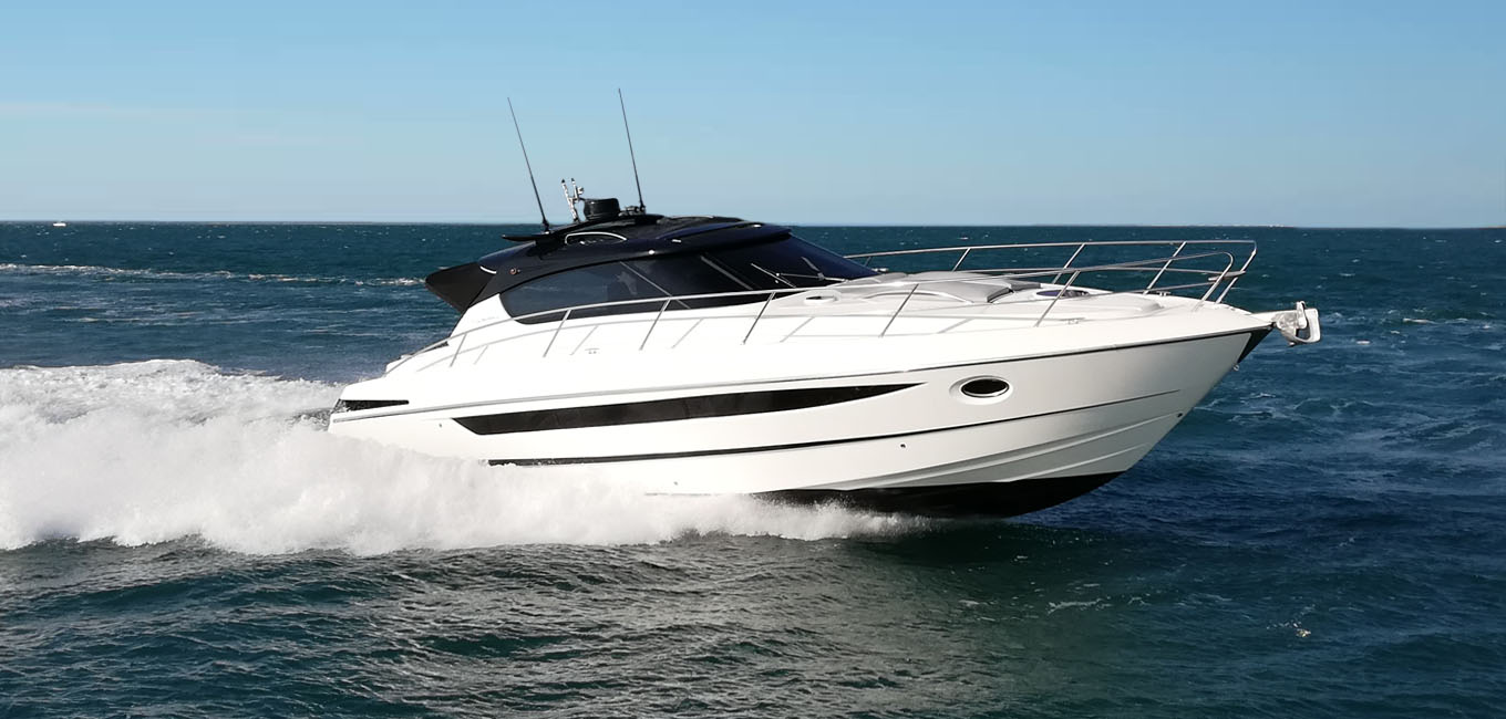location bateau Focus Power 44 HT