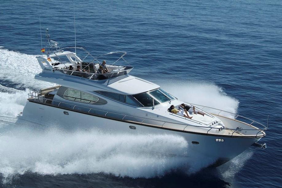 location bateau Elegance 60 Fly